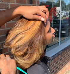 Dyed Natural Hair For Black Women ` Dyed Natural Hair – Maroon hairstyles Pressed Natural Hair, Blonde Natural Hair, Honey Blonde Hair, Black Curly Hair, Hair Color For Black Hair, Natural Hair Silk Press, Silk Press Hair, Brown Hair, Front Hair Styles