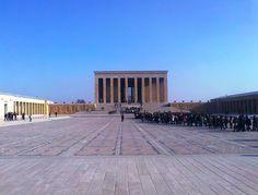 Anıtkabir (tumba conmemorativa) es el mausoleo de Mustafa Kemal Atatürk, líder de la Guerra de Independencia Turca, fundador y primer presidente de la República de Turquía. Diseñado por los arquitectos Emin Onat y Orhan Arda. También es lugar de descanso final de İsmet İnönü, segundo Presidente de Turquía, quien fue enterrado allí después de su muerte en 1973. Su tumba se encuentra enfrente del Mausoleo de Atatürk, en el sitio opuesto del Terreno Ceremonial.