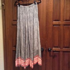 Maxi Skirt✂️REDUCED FROM $63 to $40✂️ Silk black mosaic print drop waist maxi skirt NWT Tolani Skirts Maxi