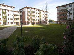 Vista degli spazi verdi interni alla residenza.
