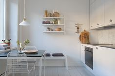Shop the look: kleine keuken met eethoek - Roomed