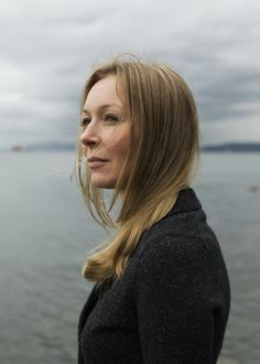 """She tried to stay quiet, she really did. But after eight years of keeping a heavy secret, the day came when Alayne Fleischmann couldn't take it anymore.   """"It was like watching an old lady get mugged on the street,"""" she says. """"I thought, 'I can't sit by any longer.'""""     Read more: http://www.rollingstone.com/politics/news/the-9-billion-witness-20141106#ixzz3IPHnuwfY"""