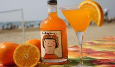 Federica. Es un 'arancello', un licor artesanal realizado con las naranjas de la región y que llega de la mano del equipo de enólogos de Pago de Tharsys, bodega de Requena.