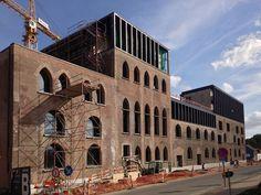 kanaal : COUSSÉE & GORIS architecten Brick Architecture, Industrial Architecture, Interior Architecture, Bratislava, Habitat Collectif, Brick Construction, Roof Extension, Ice Houses, Urban Loft