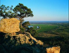 Petit Jean Mountain is named after the legend of Petit Jean, the story of a beautiful French girl who disguised herself as a boy and secretly accompanied her sweetheart, an early explorer, to the New World and to this mountain.