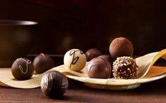 Get a FREE Piece of GODIVA Chocolate!