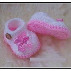 Crochet Baby Girl Shoes Free Pattern ༺✿ƬⱤღ http://www.pinterest.com/teretegui/✿༻