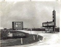 Don drive-in, Port Arthur, Tx (From Linda Hailey-posted on fb page) Old Photos, Vintage Photos, Port Arthur Texas, Drive In Movie Theater, Texas History, Family History, Golden Triangle, Willis Tower, Small Towns
