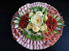 38 Ideas For Meat Platter Ideas Lunches Meat And Cheese Tray, Meat Trays, Meat Platter, Food Platters, Cheese Platters, Finger Food Appetizers, Appetizers For Party, Finger Foods, Appetizer Recipes