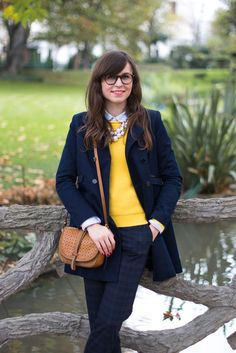 Blog-Mode-And-The-City-looks-pantalon-carreaux-3 Geek Chic, Bcbg, Iconic Dresses, Professional Outfits, Casual Winter Outfits, Preppy Style, European Fashion, Fashion Outfits, Womens Fashion