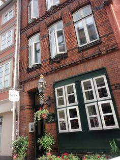 Classical architecture in Lüneburg One Day Trip, Classical Architecture, Middle Ages, Places To See, Gallery Wall, Classic Architecture, Day Trips, Mid Century, Medieval Times