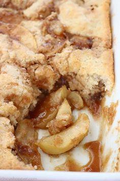 Easy Apple Cobbler Apple Dessert Recipes, Apple Crisp Recipes, Fall Desserts, Apple Deserts Easy, Hot Desserts, Awesome Desserts, Gala Apples Recipe, Apple Cobbler Easy, Apple Pie