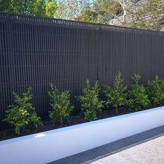 English Garden Design, Modern Garden Design, Backyard Garden Design, Modern Design, Garden Decking Ideas, Backyard Designs, Pergola Ideas, Diy Fence, Fence Landscaping