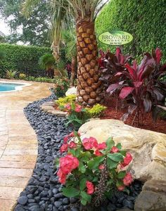 Small Front Yard Landscaping Ideas on A Budget (19)