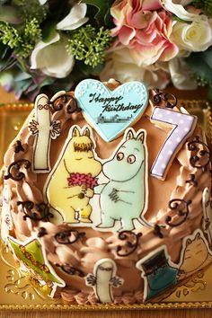 ムーミンのお誕生日ケーキを作る。ムーミンってほとんど知らないので、身体が何色なのかすらも分からず・・・ネットで検索してみるも、白とか黄色とかブルーとか・・...