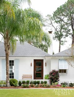 This 1950s ranch-style cottage on Sea Island was originally bought by the late Jae Portman, son of international architect John C. Portman Jr.