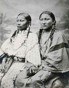 Spotted Fawn & Pretty Nose - Northern Cheyenne - 1878 - by ??? - (Photoshopped)