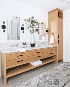 √ Bathroom Cabinets Ideas With Style Trendy - Badezimmer Amaturen Modern Bathroom Design, Bathroom Interior Design, Home Interior, Modern Bathrooms, Master Bathrooms, Bath Design, Bathroom Designs, Modern Design, Bathroom Cabinets