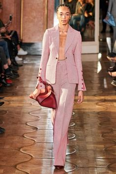 Altuzarra Spring 2020 Ready-to-Wear Fashion Show - Vogue Fashion 2020, Fashion Week, Runway Fashion, Spring Fashion, High Fashion, Fashion Outfits, London Fashion, Stylish Outfits, Fashion Trends