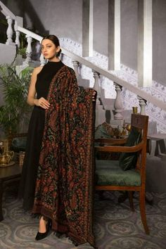 More Than 15 Buy Kashmiri Range Online - Bareeze Pk ; Source by jbarrowsconn fashion indian wear Asian Wedding Dress Pakistani, Pakistani Dress Design, Pakistani Outfits, Indian Outfits, Indian Fashion Dresses, Dress Indian Style, Indian Designer Outfits, Fashion Outfits, Designer Dresses