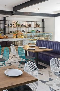 Sisterfields is the coolest new boutique cafe in Seminyak. Showcasing fresh pastries, salads and sandwiches along side an all day breakfast/lunch menu.