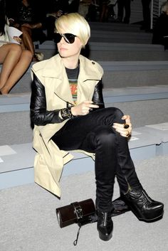 Love the layering. Leather sleeves with anything.. p.s. peep the medor clutch just chillin..