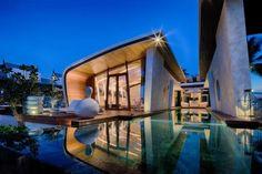 Villa Bianca na Tailândia | Design Set // Tradicional arquitetura #tailandesa aliada as formas orgânicas do estilo #contemporâneo.