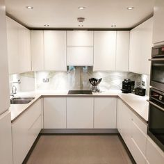 Luxury Small Kitchen Many ideas can be considered if you want to make U-shaped kitchen layout. Kitchen Room Design, Kitchen Layout, Home Decor Kitchen, Interior Design Kitchen, Diy Kitchen, Living Room Kitchen, Küchen Design, Home Design, Rooster Kitchen Decor