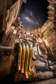 Buddha Temple, Buddha Zen, Buddha Buddhism, Buddhist Art, Indian Architecture, Ancient Architecture, Buddhism Wallpaper, Thai Buddha Statue, Ancient Mysteries