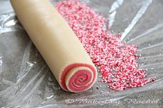 Tried this earlier today. COULD NOT get it to roll without breaking apart and my sprinkles wouldn't stick but the cookies still tasted good Spiral Sugar Cookies, Yummy Treats, Sweet Treats, Refrigerator Cookies, Muffins, Sweet Recipes, Delicious Recipes, Cookie Bars, Holiday Treats