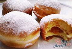 Quark-Pudding-Torte mit Erdbeeren und To. Slovakian Food, Czech Desserts, Yogurt Bread, Donuts, Desert Recipes, Doughnut, Sweet Tooth, Deserts, Food And Drink