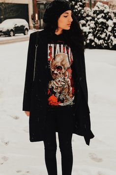 Fade To Black | Grunge Outfit | Street Style | Fashion | Alternative | OOTD | Grunge Street Wear | Winter Look | Aniyahlationn | Band Tee | Winter Outfits | Grunge Chic | Beret