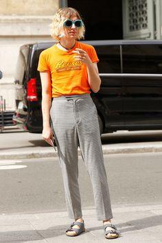 パリから直送。最新オフランウェイを制するのはストリートスタイル!   FASHION   ファッション   VOGUE GIRL