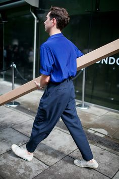 menswear which look cool. which look cool. Look Fashion, Fashion News, Mens Fashion, Fashion Outfits, Fashion Design, Fashion Trends, Blue Fashion, Men Street, Street Wear