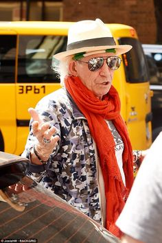 The Rolling Stones icon Keith Richards put on a brave face as he got back to work at a recording studio in Manhattan, New York City on Thursday. Look Rock, Rock Style, The Rolling Stones, Rolling Stones Keith Richards, Bill Wyman, Anita Pallenberg, Ron Woods, Ronnie Wood, Stone World