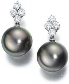 Shazia Mukri designs