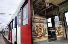 Décorations du RER C à Paris sur le thème du Chateau de Versailles