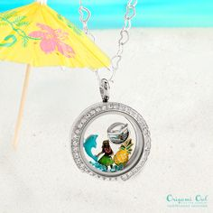 Say aloha to this perfect summer Origami Owl locket!