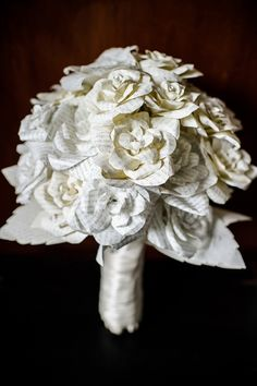 book pages bouquet // photo by Jaylena Photography