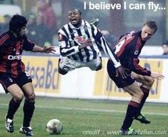 Lol that's is so funny I believe I can fly Funny Soccer Memes, Football Memes, Soccer Humor, Football Pics, Funny Sports Quotes, Football Match, Funny Football Pictures, Funny Photos, Funny Shit