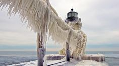Incredible Frozen Lighthouses on Lake Michigan (PHOTOS) - weather.com