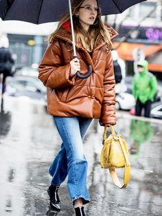 How to Wear Boyfriend Jeans in the Winter (Proof It's Possible)