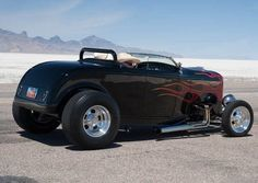 Cool 32 Ford Blown Roadster at Utah's Ancient Lake Bed. The Bonnevllle Salt Flats!