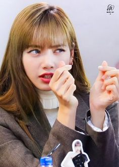 """""""her little baby eyes and puffy cheeks"""" South Korean Girls, Korean Girl Groups, Rapper, Tv Show Outfits, Baby Eyes, Lisa Blackpink Wallpaper, Picture Icon, Pretty Asian, Swag Style"""