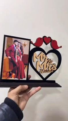 Cute Anniversary Gifts, Anniversary Crafts, Wedding Anniversary, Diy Crafts Hacks, Diy Crafts For Gifts, Diy Arts And Crafts, Diy Photo Frame Cardboard, Wood Laser Ideas, Frame Wall Collage
