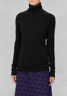 Cashmere bluse - & Other Stories - 950 kr. http://www.stories.com/dk/Ready-to-wear/Knitwear/Cashmere_Turtleneck/582940-4554254.1