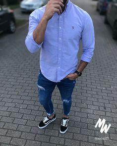 Klassisches Hemd und casual Schuhe, coole Sache! Sowas finde ich immer spannend!