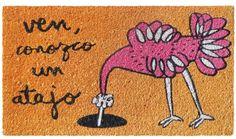 Felpudo Ven, conozco un atajo. Un felpudo original y muy colorido perfecto para regalar. Con diseño de Anna Llenas, y lo tenemos en Decocuit, regalos y decoración en Burgos y también en www.decocuit.com.