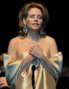 renee fleming | Renee Fleming was so paralyzed by stage fright that the opera