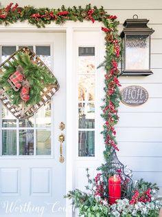 Christmas garland around front door #christmas #christmasgarland #christmasdecorations